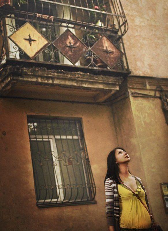 portrait,urban,портрет,дом,девушка. Старый дом.photo preview