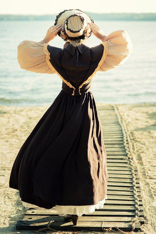 девушка, спина, ветер, смотрит, дорожка, река, озеро Ветер перемен photo preview