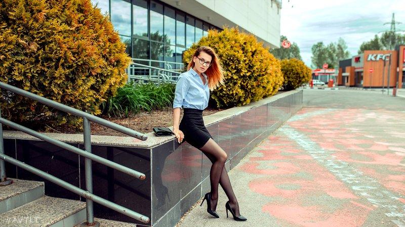 портрет, улица, парк, сквер, прогулка, уличная, уличный, на улице, девушка Элинаphoto preview