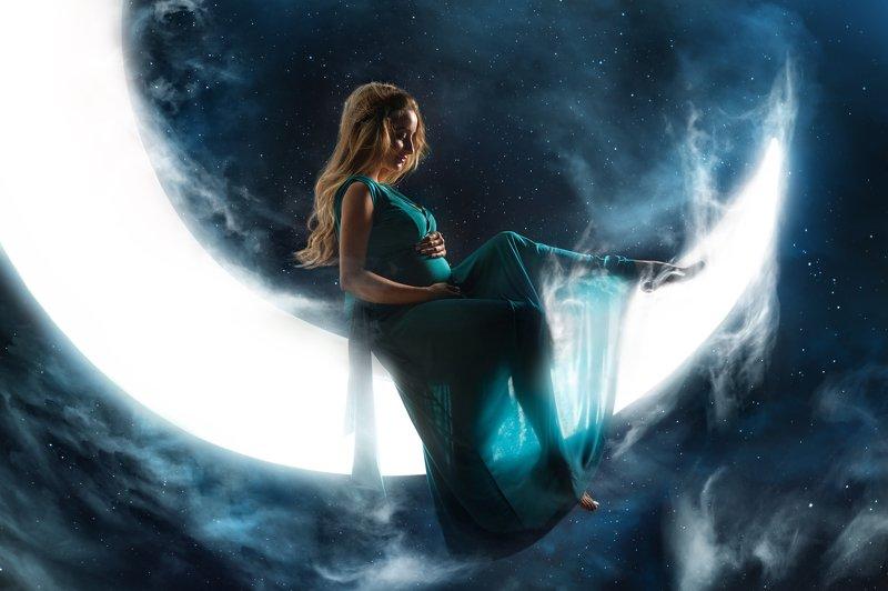 #взгляд #sight #портрет #portrait #portraitphotography #model #fantasy #moon #moonlight #love #stars #звезды #лунныйсвет #луна На моей лунеphoto preview