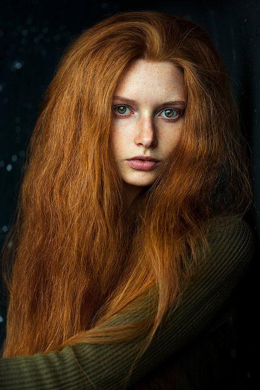 девушка, рыжая, красивая, зеленые глаза, рыжие волосы, густые Марияphoto preview