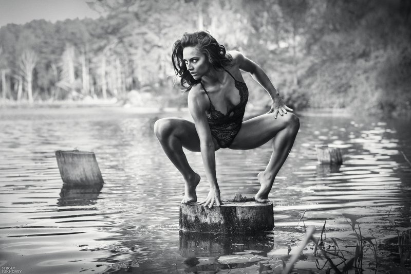 ведьма, мавка, иван купала, озеро, купальщица, белье, утопленница, русалка, венок, болото, мокрая девушка, мокрая, мокрое платье Ведьмаphoto preview