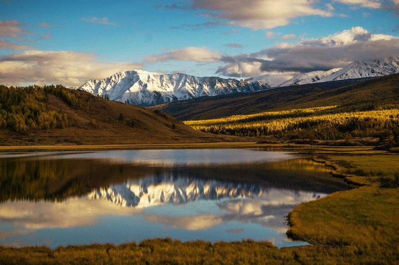 природа  алтай  горы пейзаж путешествие осень тени северо-чуйский хребет отражение озеро джангысколь У озера...photo preview