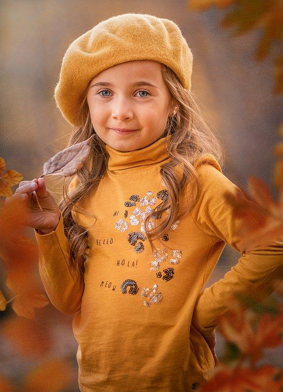 Детство, осень, листопад...photo preview