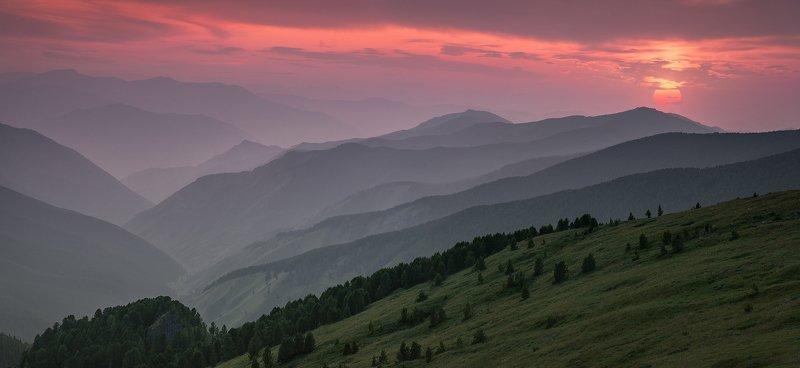 пейзаж, панорама, природа, горы, хребет, перевал, Сибирь, Алтай, чик, закат, вечер, дымка, дым, смог, пожар, солнце, широкий, большой, красивый Перевал Ачикphoto preview