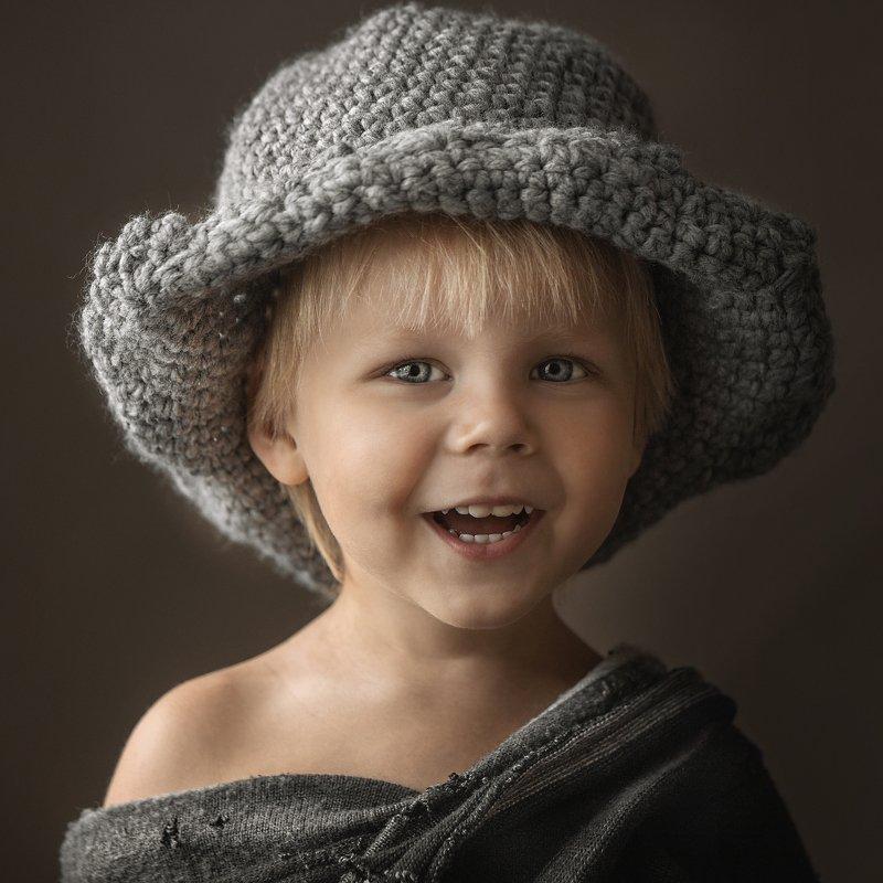 дети, детская фотография, портрет, мальчик, персонаж, смех, взгляд, детский портрет Маленький Гекphoto preview