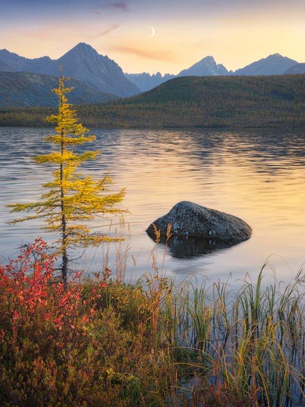 вечер, озеро, горы Тихий вечер на косе биологовphoto preview