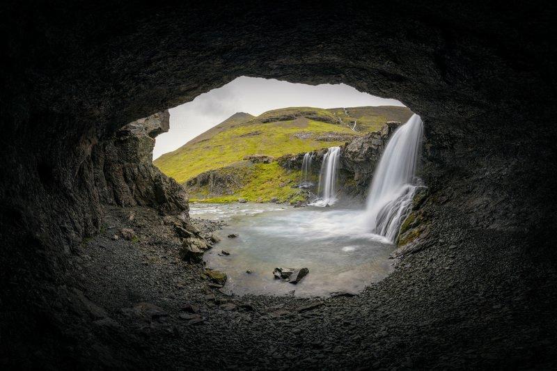 исландия, водопад, iceland, waterfall, foss, пещера, cave В гостях у пещерного человекаphoto preview