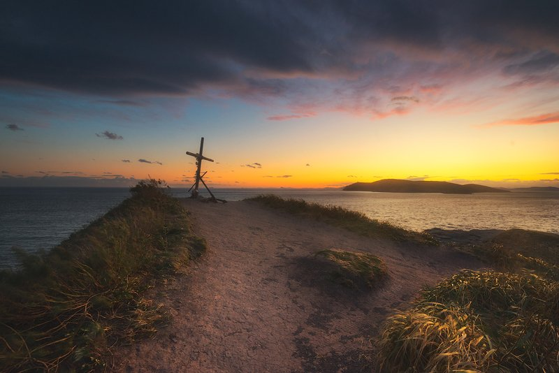 закат краски свет небо облака тучи солнце мыс крест море трава вечер дмитрий подкопаев *****photo preview