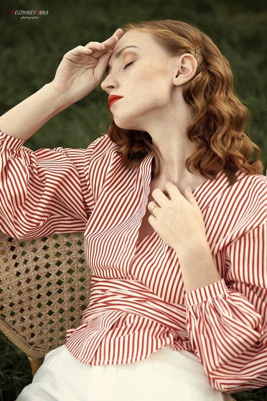 рыжая, девушка, модель, никон, россия, фото, фотография, глаза, губы, нежная, волосы, ветер, взгляд, веснушки Юлияphoto preview
