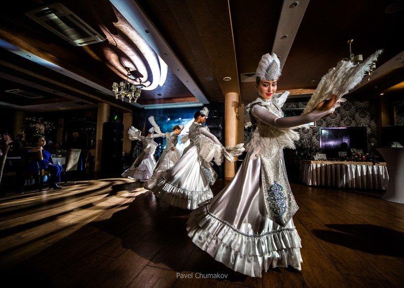 девушка, черный, свет, репортаж, банкет, танец, girl, black, танцовщица, шоубалет, шоу, юбилей, свадьба, деньрождения, концерт, артист, Шоу-балетphoto preview