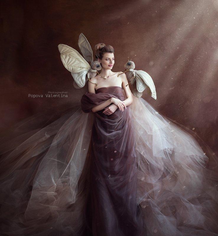 женскийпортрет , бабочка, свет Бабочкаphoto preview