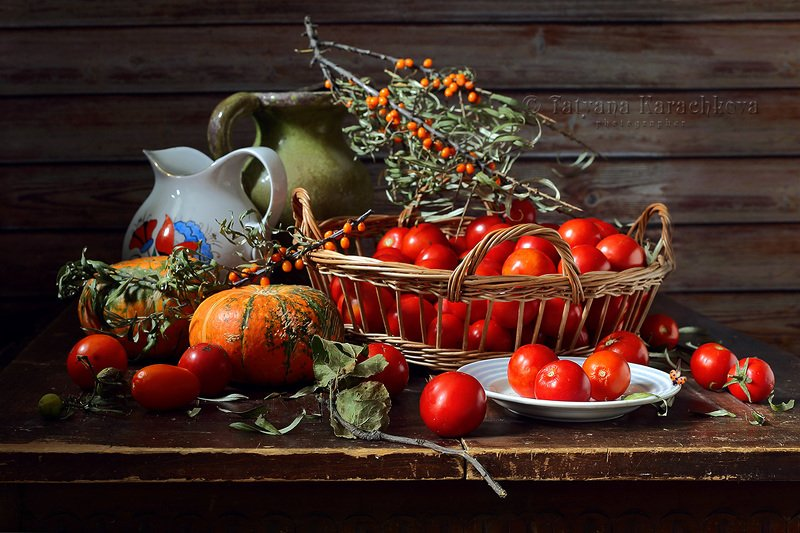 натюрморт, помидоры, томаты, облепиха, кувшин, тыква, осень Помидоркиphoto preview