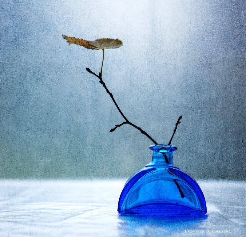 Два этюда с синей вазой фото превью