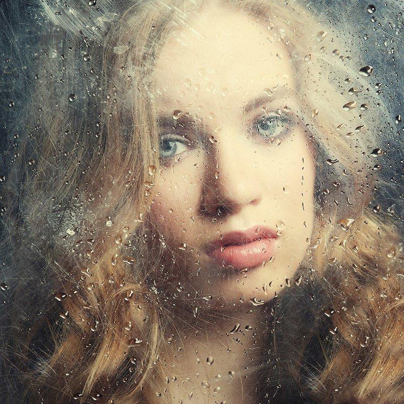 Красивая девушка, капли, грусть, вода, стекло Грустьphoto preview