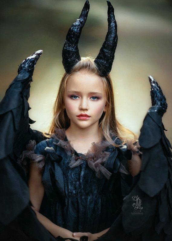 #girl, #portrait, #beauty, #lady, #135mm, #pretty Maleficentphoto preview