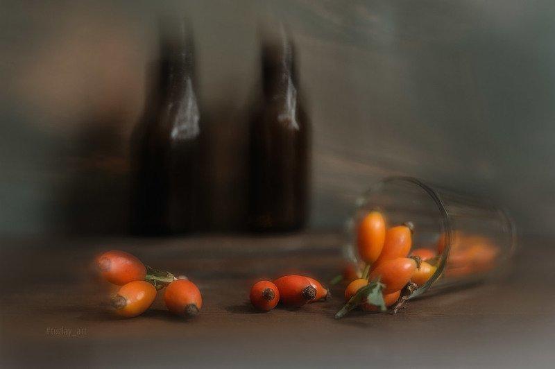 шиповник, стакан, софт фокус, абстракция Еще про рассыпанный шиповникphoto preview