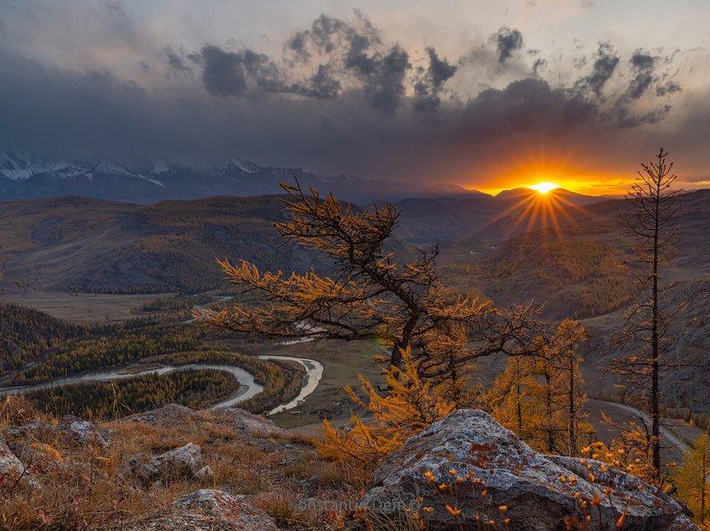 Закат в урочище Таджилу. Алтайphoto preview
