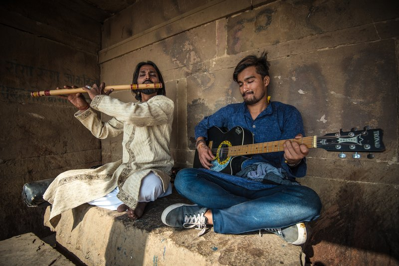 Varanasi The Street Musicianphoto preview