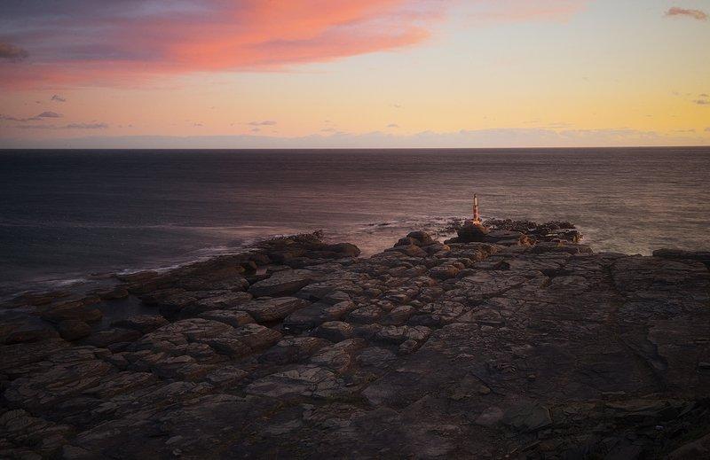 закат краски свет море остров  камни волны пейзаж вечер морской пейзаж россия владивосток фото русский остров приморский край маяк чайки ,,Из жизни Тобизинского маяка,,photo preview