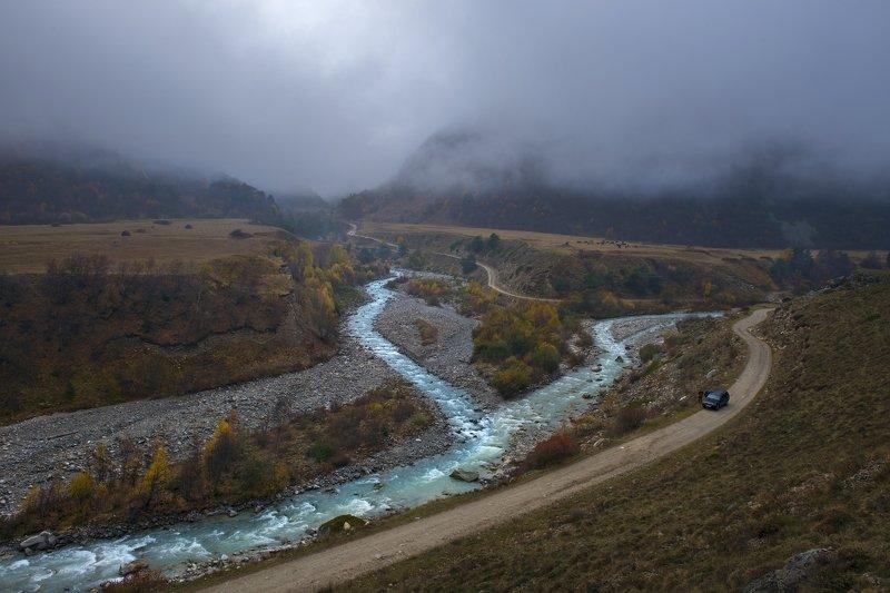 Кабардино- Балкария, Чегемское ущелье, река Чегем, река Башиль -Су, Северный Кавказ, осень в горах Кавказа, реки Северного Кавказа  Вечереет в Чегемском ущелье, слияние рек Башиль-Су и Чегемphoto preview