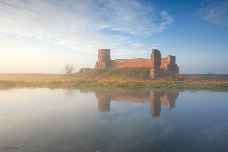 castle, ruins, koło, morning, warta, morning, autumn, fog, river, nature The Amazing Ruinsphoto preview