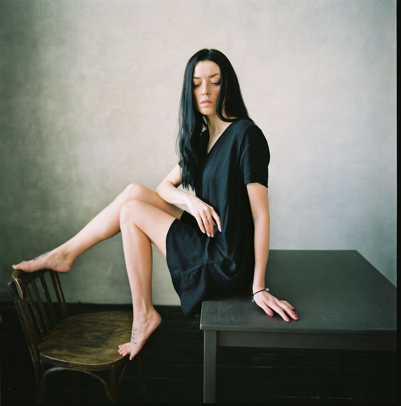 woman, girl, fineart,  portrait,  film,  ishootfilm,  mediumformat,  6x6film,  bronica,  bronicaec,  zenzabronica,  fuji400h,  fuji, color film,  grain,  square, vogue, glamour, beautiful, beauty, legs, hair, classy, * * *photo preview