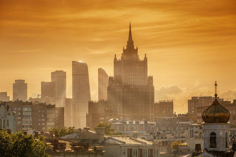город, мегаполис, москва, здание, небоскреб, закат, солнце, оранжевый, небо, мид, сити, архитектура, тополиный пух, city, metropolis, moscow, building, skyscraper, sunset, sun, orange, sky, mid, city, architecture, poplar fluff, Москва майская, Москва тополинаяphoto preview