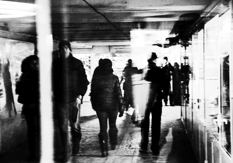 город, люди, дорога переходphoto preview