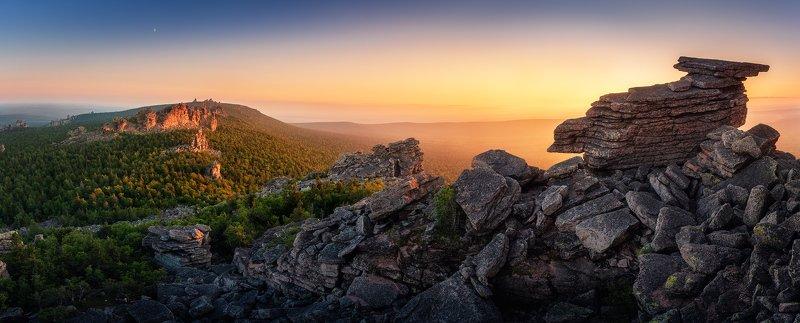 пермь, пермскийкрай, пейзаж, осень, лес, закат, горы, помяненный, колчимский , урал, россия, уральскиегоры Панорама Колчимского камняphoto preview