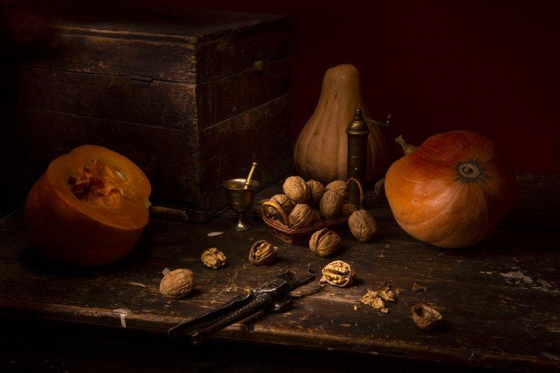 тыква, орехи С тыквами и орехамиphoto preview