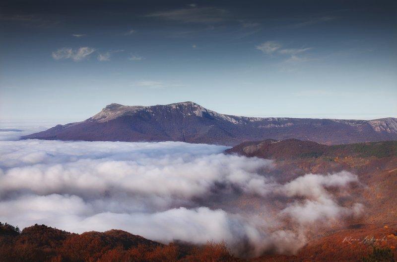 крым, роман любимский, туман, осень, горы, туман Фудзи по Крымскиphoto preview