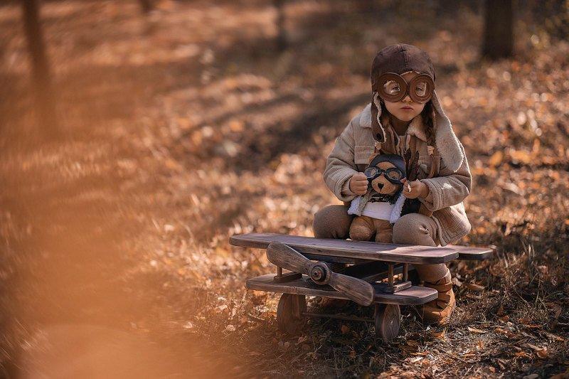 дети, детская фотография, осень, полёт, самолёт, два пилота Два пилотаphoto preview