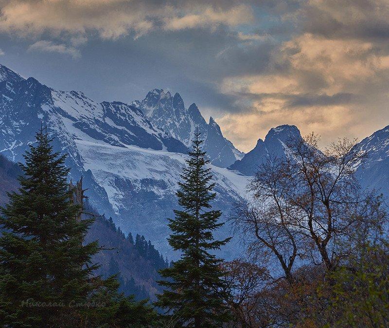 кавказ горы осень деревья закат облака Сумерки 2photo preview