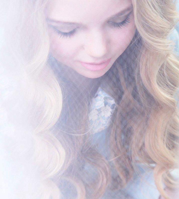 девушка, нежная, красивая, светлая Нежность photo preview