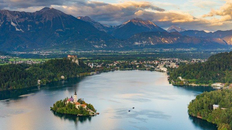 словения, озеро, горы, блед Озеро Блед одним осенним вечеромphoto preview