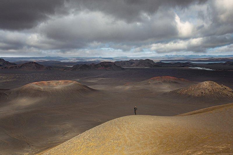 человек, высота, вулканы, исландия, пейзаж , нагорье, песок, геология,окружающая среда, путешествие Телепортация на Марс  / Icelandphoto preview