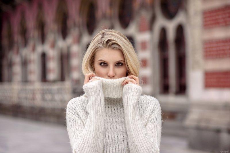 portrait, art, model, beautiful, face, pretty, eyes, beauty, daylight, nikon, istanbul, 85mm, colorful, fashion, sunlight, white Brigittephoto preview
