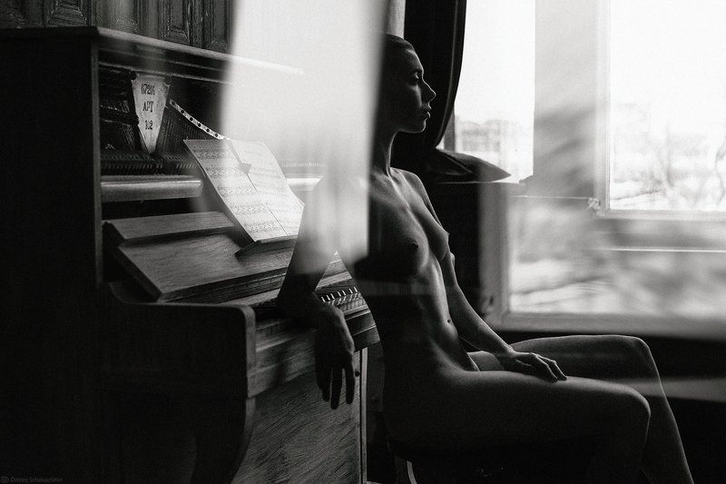 mirror,  square, artnude, fineart, naked, girl, woman, breast, nude, art, female, model, window, classy, light, artistic, piano, music, silence, sexy, erotic, * * *photo preview