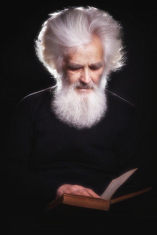 мудрость, мужчина, знание, книга, седой, возраст, свет, мужской, портрет,  Владимир Ильичphoto preview