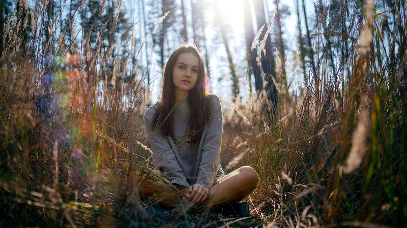 луг, осень, отдых, цвета, блик, райдуга, девушка, модель, свет, солнце, яркий, цвета, солнечный, день, расслабление, поза Отдых на лугуphoto preview