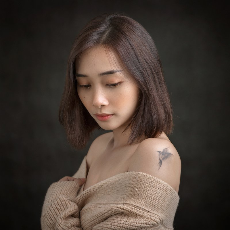 portrait, people, face, hair, studio, dark, light, asian, vietnam, vietnamese, young, attractive, lips, girl, female, glamour, tattoo * * *photo preview