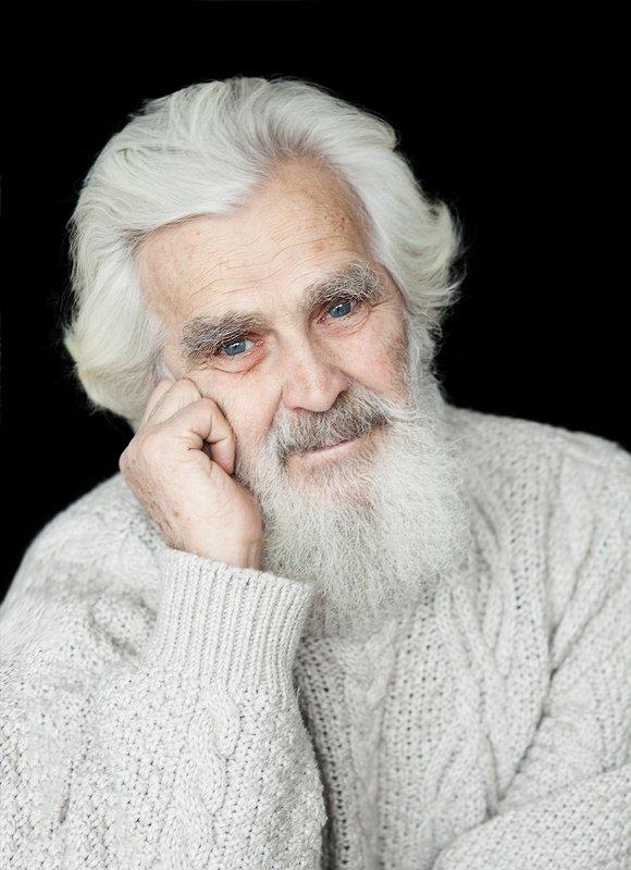 мудрость, мужчина, седой, возраст, свет, мужской, портрет, доброта, улыбка Владимир Ильичphoto preview