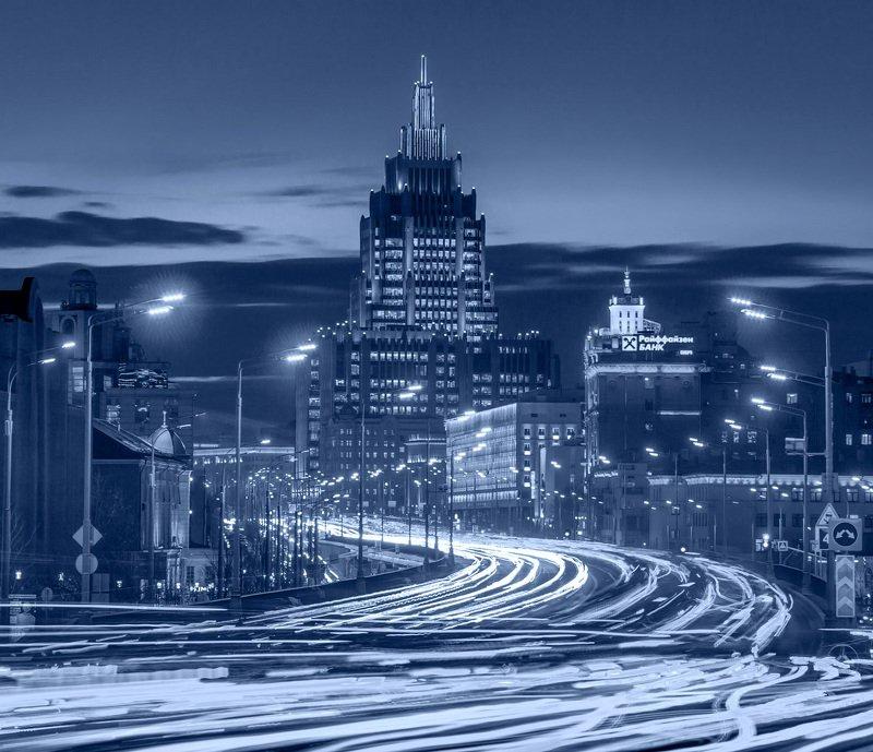 москва, вечер, высотка, динамика, автомобили, Динамика городаphoto preview