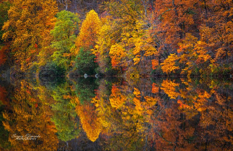 autumn reflections leaves bearmountain Incredible autumn reflections of Bear Mountain, New Yorkphoto preview