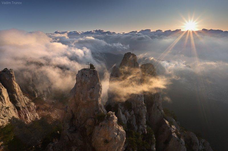 Облачный восходphoto preview