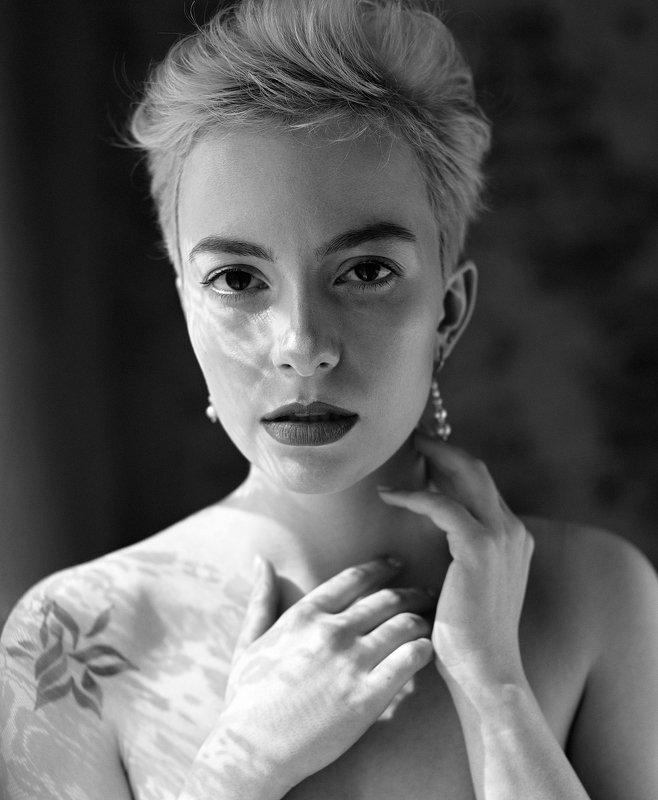 портрет, женский портрет, актриса, актерское портфолио, портфолио, портретный фотограф, москва, портретная фотография, чб Зельдаphoto preview