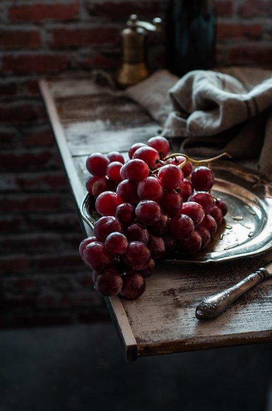виноград фудфотографы фудфотография натюрморт darkphoto foodphoto grapes  Виноградphoto preview