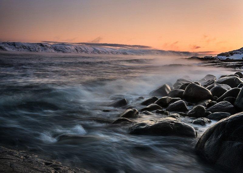 утро море восход океан териберка Действия Морозным утром. Побережье Баренцева моря. Ноябрь 2019г.photo preview