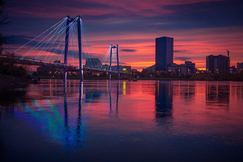 пейзаж, природа, город, архитектура, красноярск, енисей, сибирь, мост, вантовый, подсветка, берег, набережная, свет, краски, отражения, река, закат, большой, высокий, небоскреб Город на большой реке / City on the big riverphoto preview